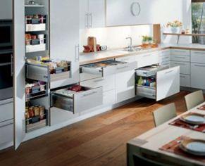 Virtuvės baldai su spintelėmis